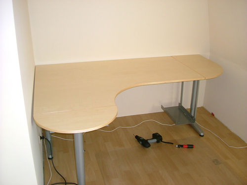 Design schreibtische auf schreibtisch for Schreibtisch rund